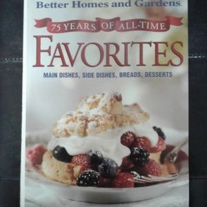 Cook book hard cover Better Homes And Gardens flaw
